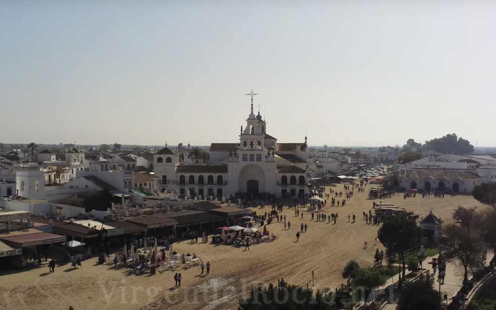Plaza-santuario-Virgen-del-Rocio