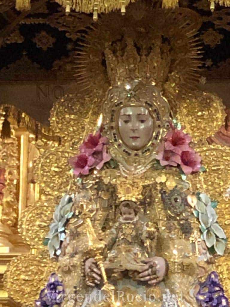 Virgen-del-rocio-con-niño