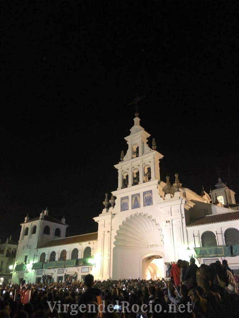 fachada-Virgen-del-rocio