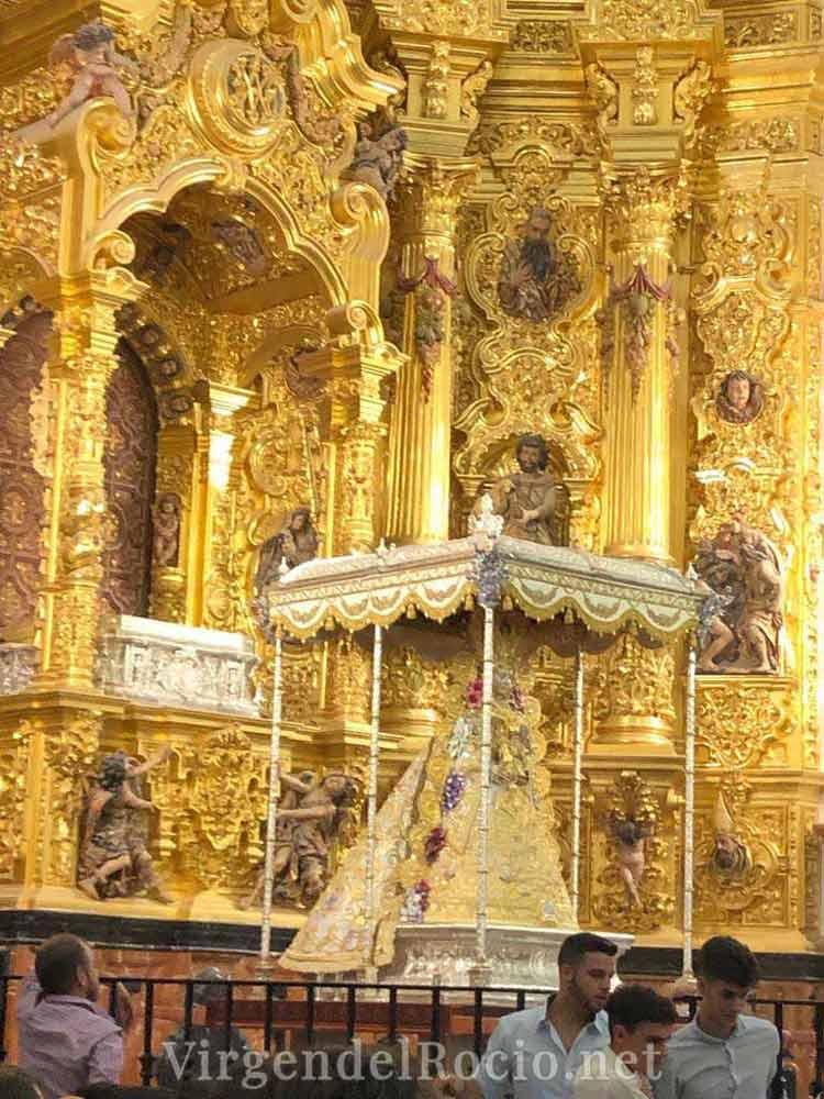 Retablo Virgen del Rocío con andas