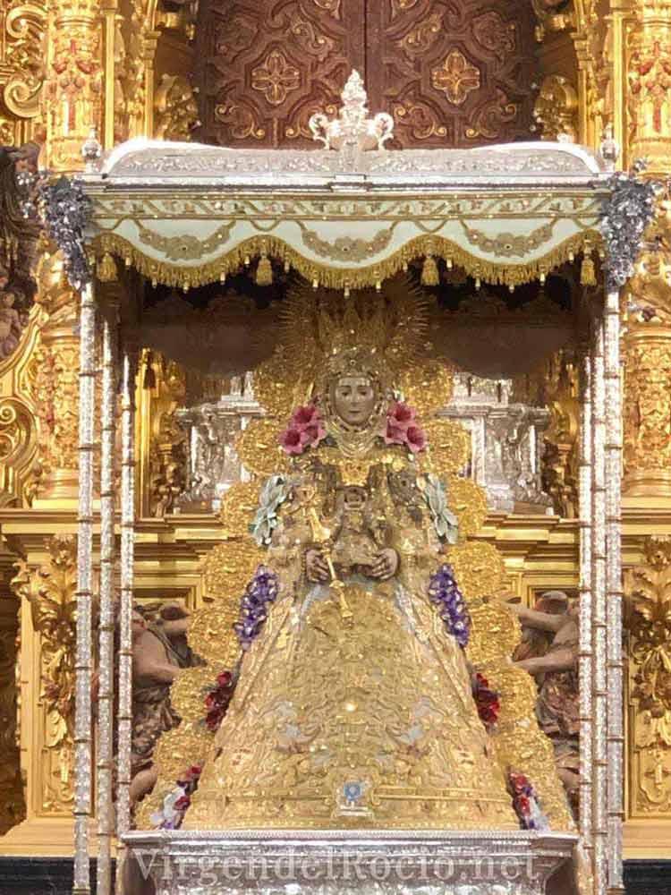 virgen-del-rocio-en-andas-procesionales