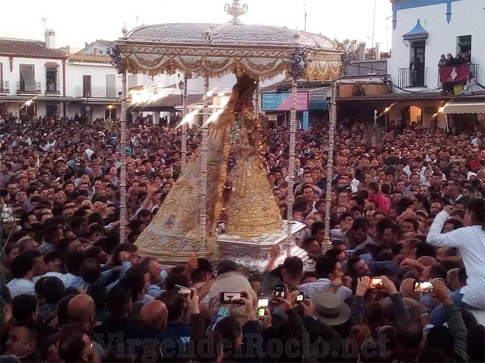Procesión Virgen del Rocío