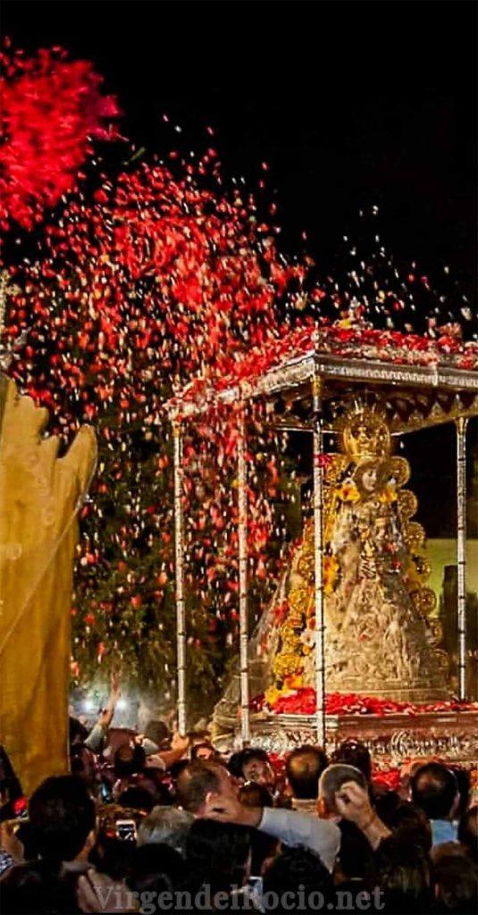 procesión Virgen-del-Rocio-7