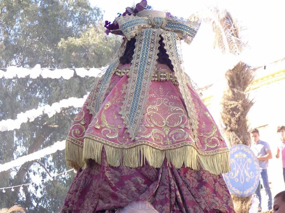 Virgen del Rocío de pastora reverso