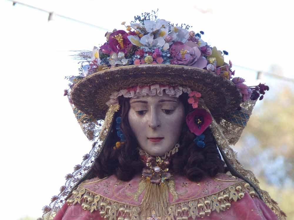 Virgen del Rocío pastora cara sombrero