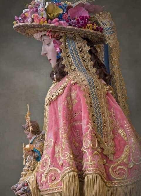 Virgen-del-Rocio-de-pastora