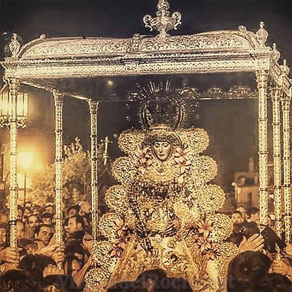 Virgen del Rocío en procesión