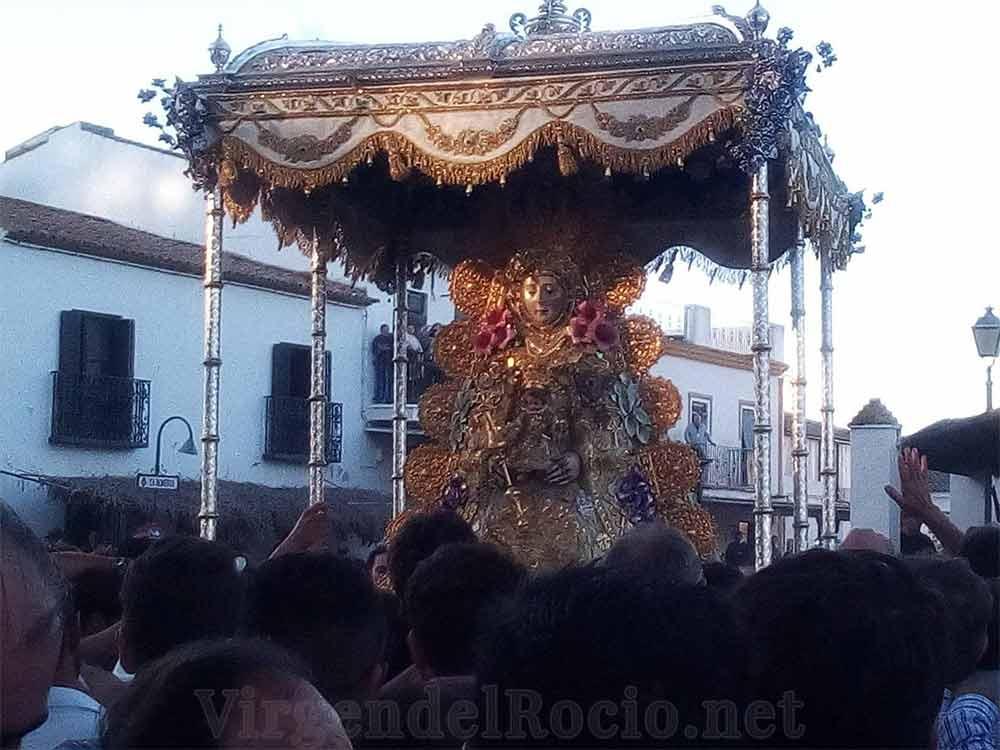 Virgen del Rocío procesión