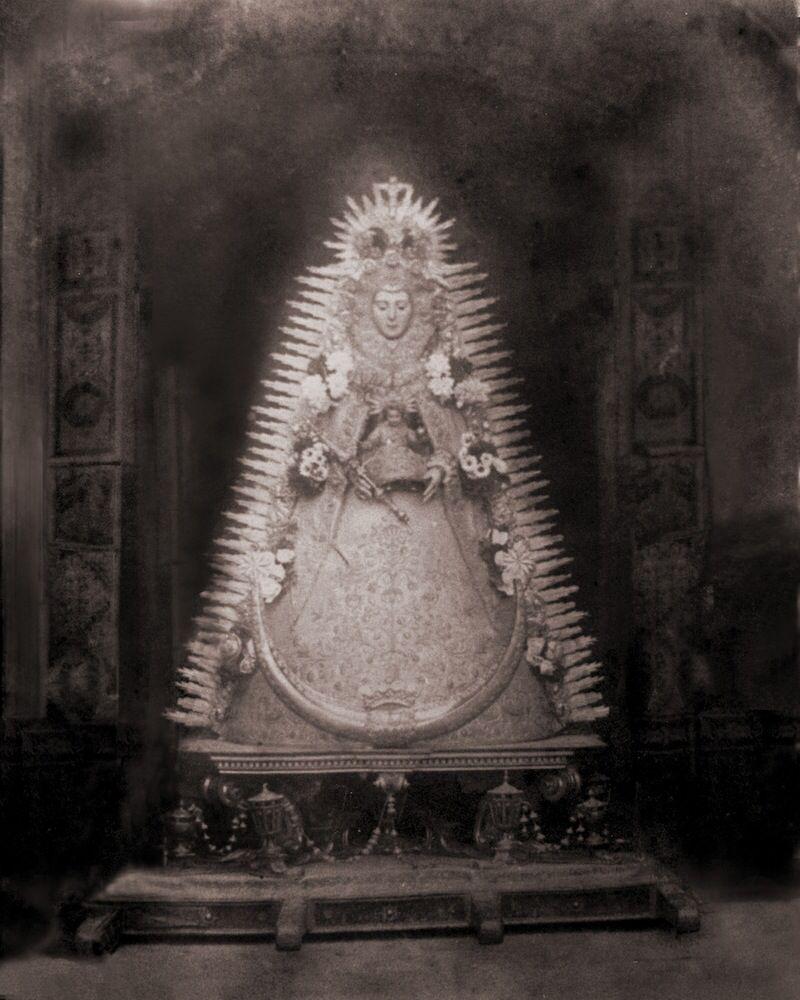 Virgen del rocío antigua blanco y negro