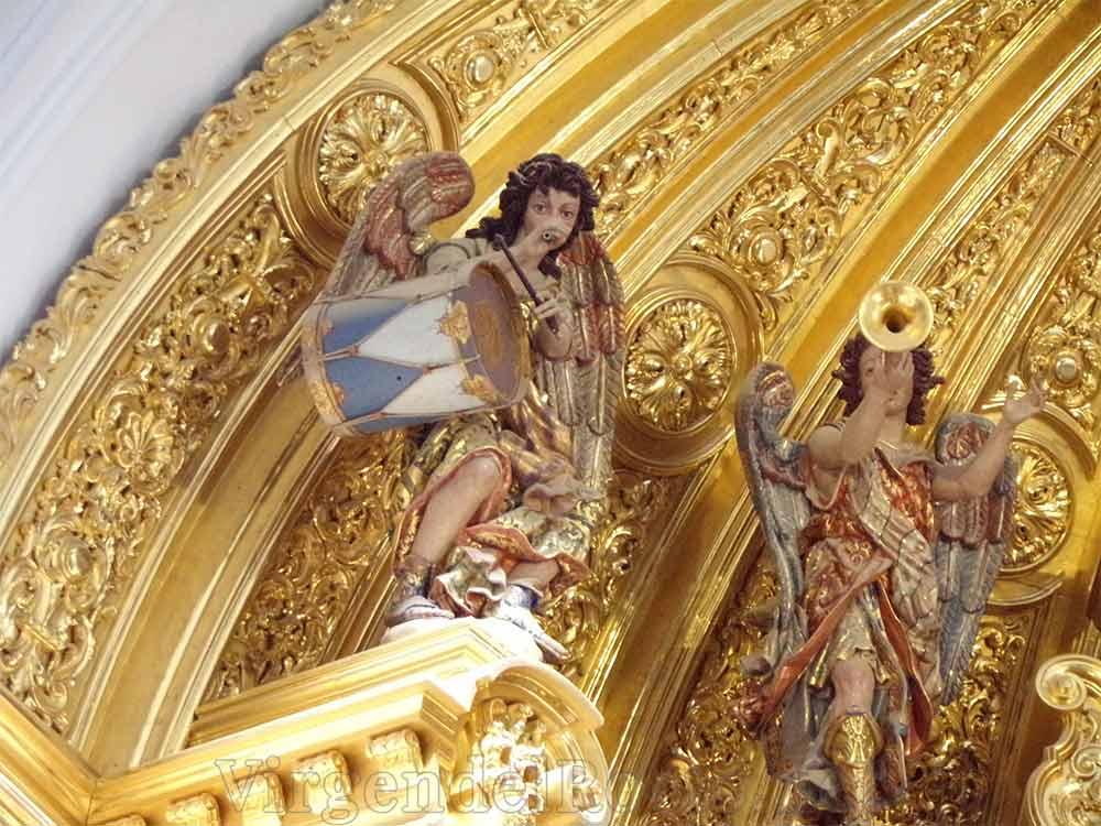 Altar Virgen del Rocío musicos
