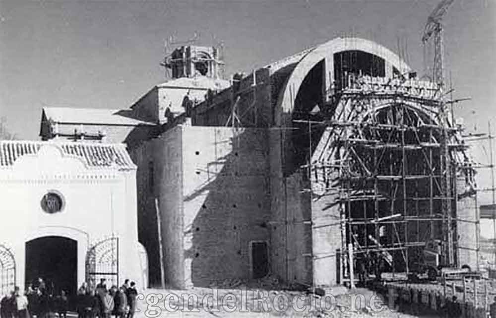 construcción-santuario-Virgen-del-Rocio