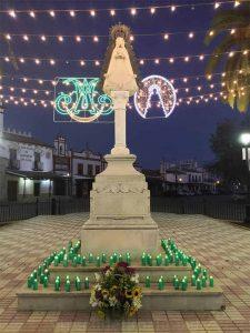 Monumento Virgen del Rocío piedra Almonte