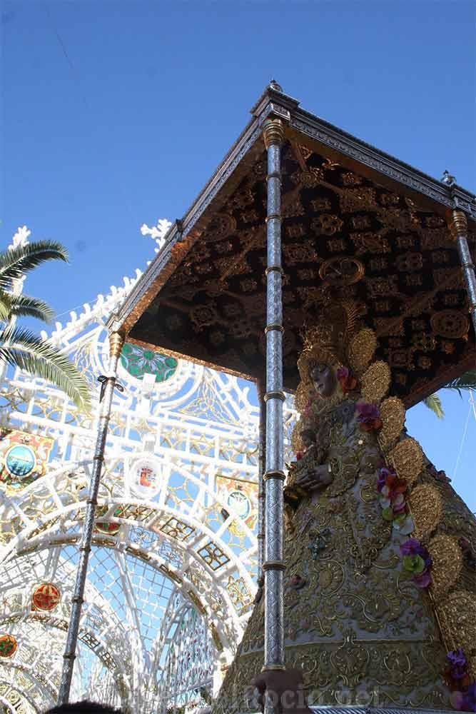 procesion-almonte-virgen-del-rocio