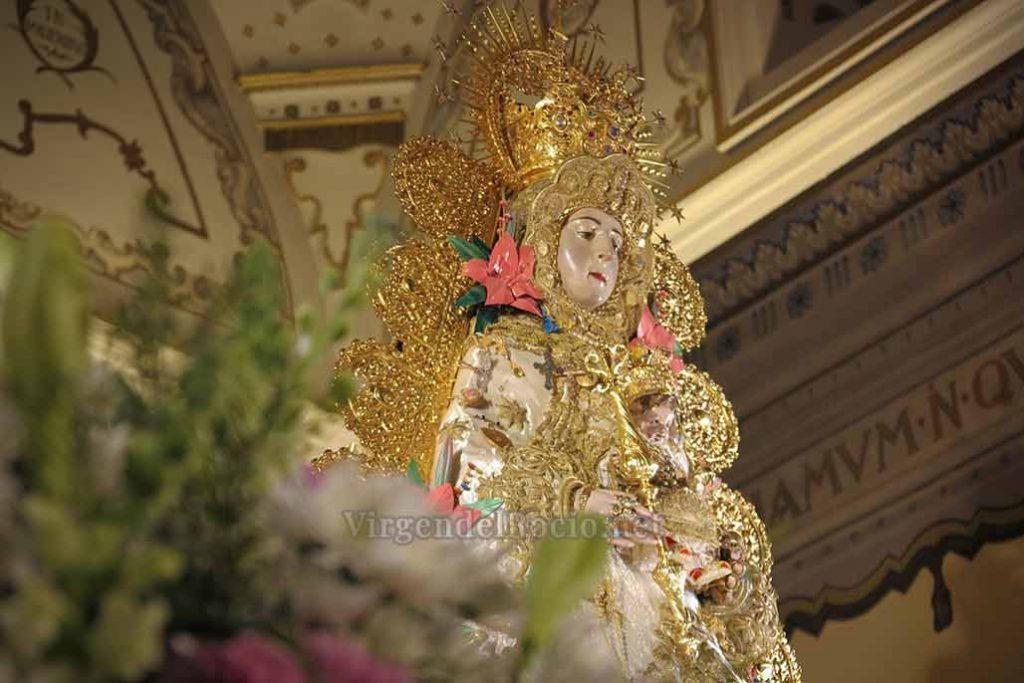 ráfagas-de-punta-de-martillo-doradas-Virgen-del-rocio