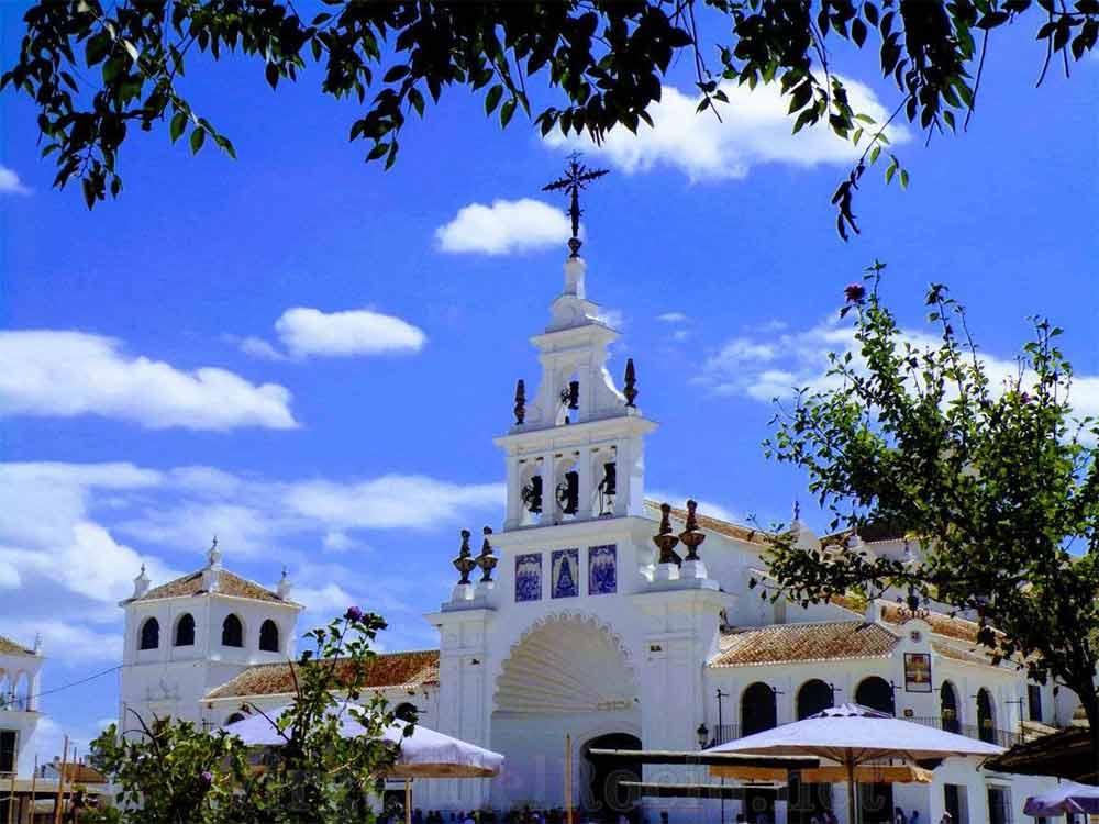 Fachada santuario Virgen del Rocío