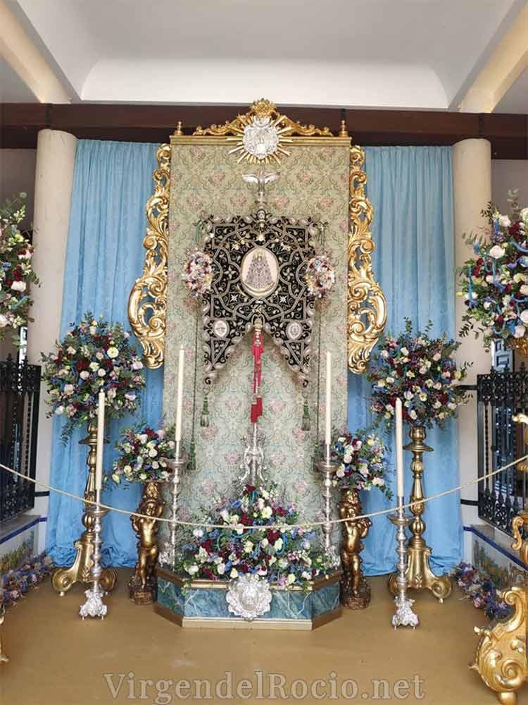 Simpecado Virgen del Rocío de Gines