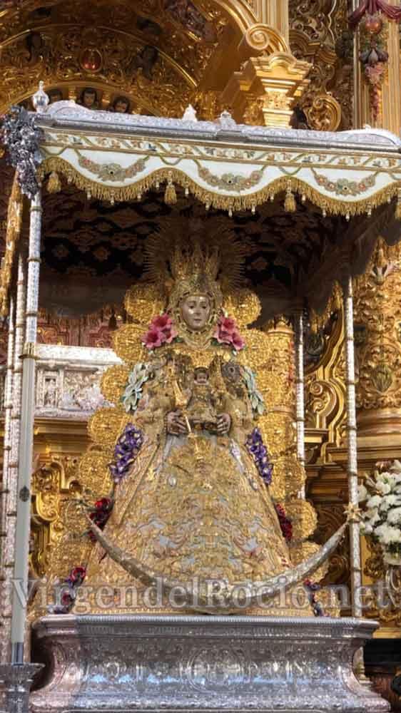 Foto Virgen del Rocío en su santuario