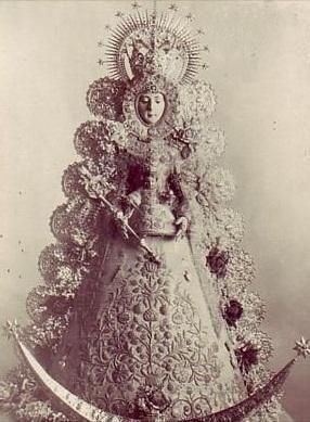 Virgen Rocío antigua blanco y negro